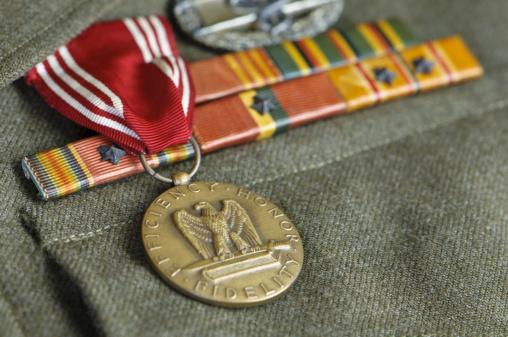 Uniform「WW II US Army Uniform with Medals」:スマホ壁紙(11)