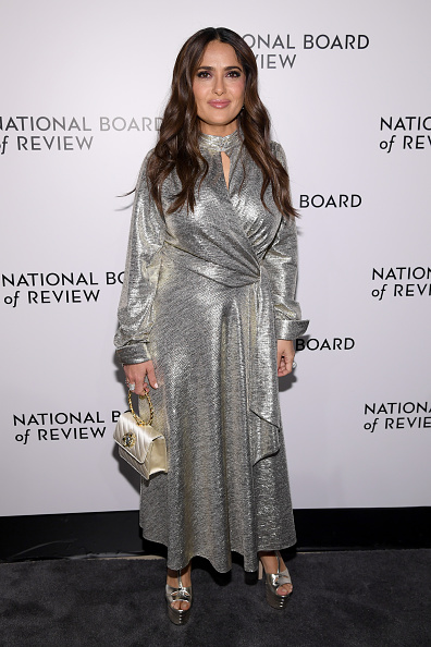 Metallic Dress「The National Board Of Review Annual Awards Gala - Arrivals」:写真・画像(8)[壁紙.com]