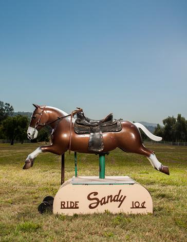 Horse「Plastic horse riding toy」:スマホ壁紙(1)