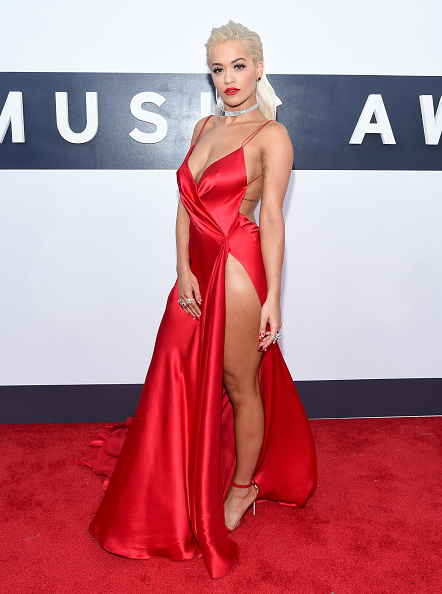 Red Dress「2014 MTV Video Music Awards - Red Carpet」:写真・画像(11)[壁紙.com]