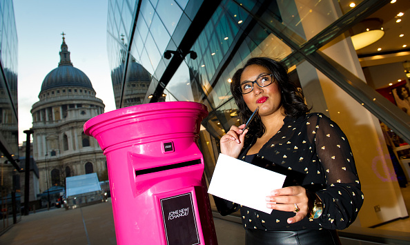 Mailbox「London's Secretaries and PAs Go Straight To The Top With Their Christmas Lists... To Their Bosses」:写真・画像(4)[壁紙.com]