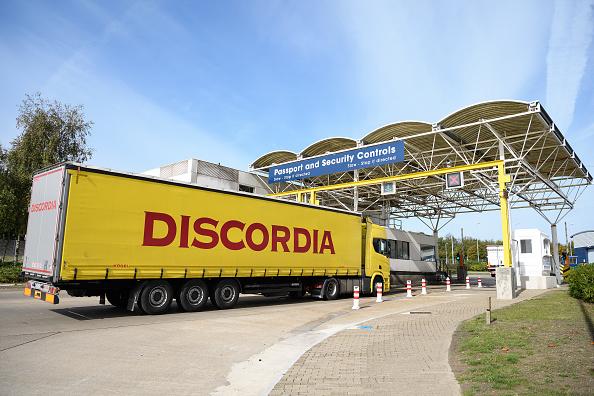 Semi-Truck「Eurotunnel Prepares For Brexit」:写真・画像(12)[壁紙.com]