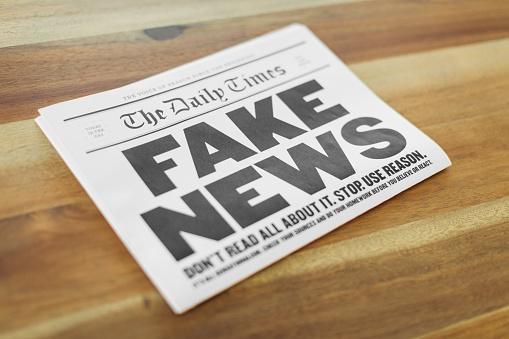 Artificial「Fake Newspaper on Kitchen Table」:スマホ壁紙(4)