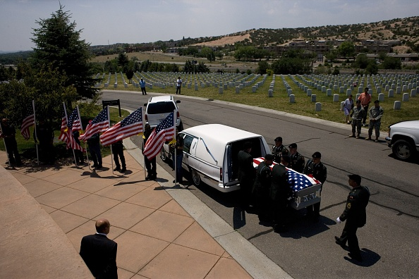 Rick Scibelli「Soldier Killed In Action Remembered In New Mexico」:写真・画像(7)[壁紙.com]