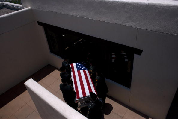 Rick Scibelli「Soldier Killed In Action Remembered In New Mexico」:写真・画像(6)[壁紙.com]