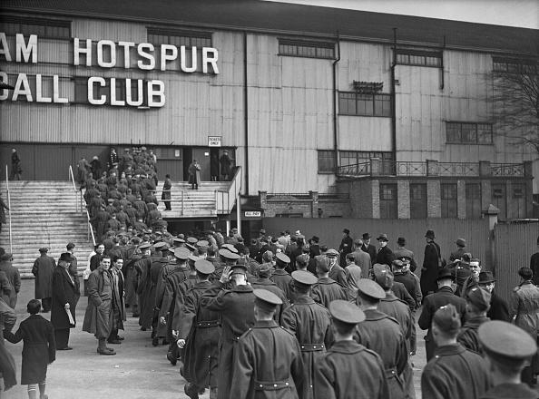 Chelsea F「Servicemen At White Hart Lane」:写真・画像(12)[壁紙.com]