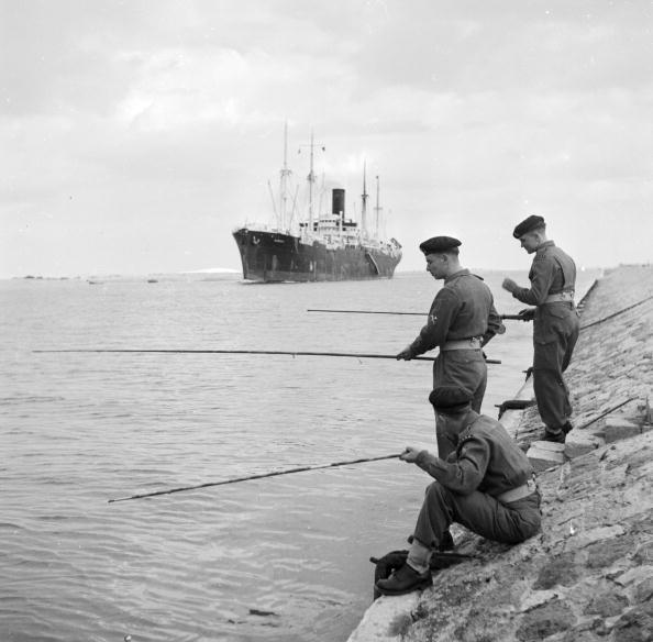 Crisis「Fishing In Canal」:写真・画像(5)[壁紙.com]