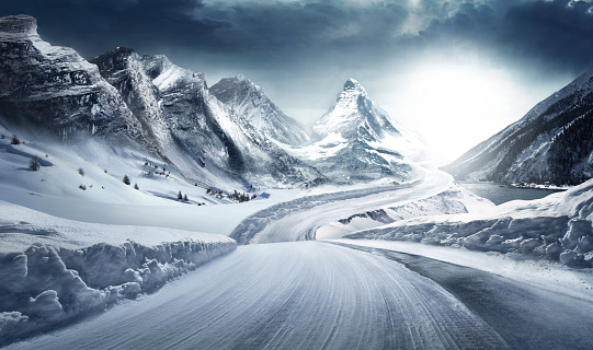 Turkey - Middle East「Difficult conditions on snowy road.」:スマホ壁紙(7)