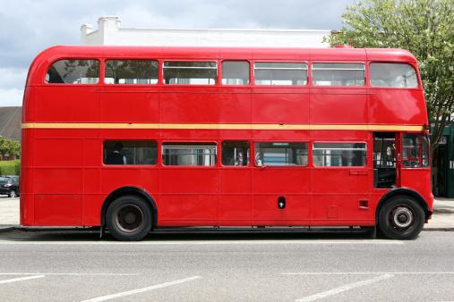 Road Marking「Red bus」:スマホ壁紙(7)