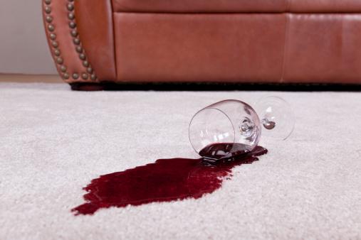 Spilling「Spilled glass of wine on new carpet」:スマホ壁紙(17)