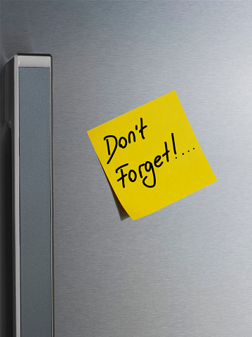Adhesive Note「Note on Refrigerator Door. Don't Forget」:スマホ壁紙(9)