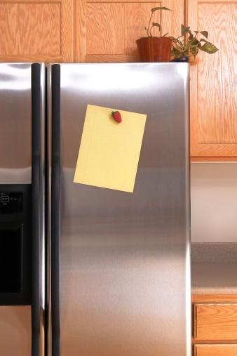 Adhesive Note「Note on Refrigerator Door」:スマホ壁紙(1)