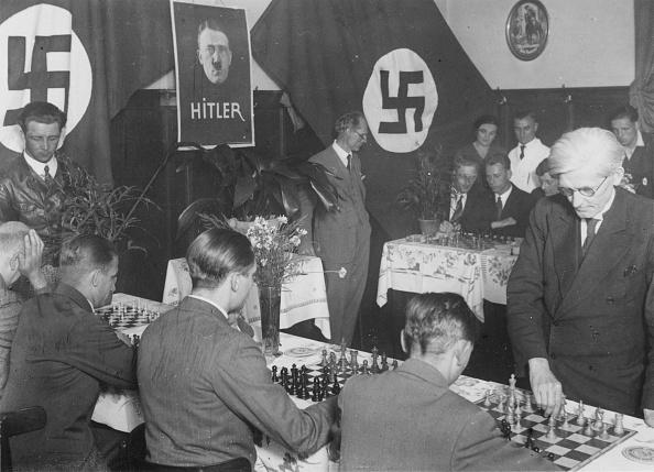 Mystery「Hitler's Chess Club」:写真・画像(6)[壁紙.com]