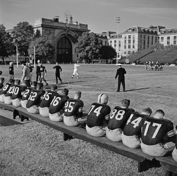 In A Row「Annapolis Football」:写真・画像(14)[壁紙.com]