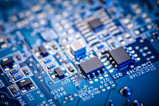 Circuit Board「Blue computer circuit board focus set on two microchips」:スマホ壁紙(10)