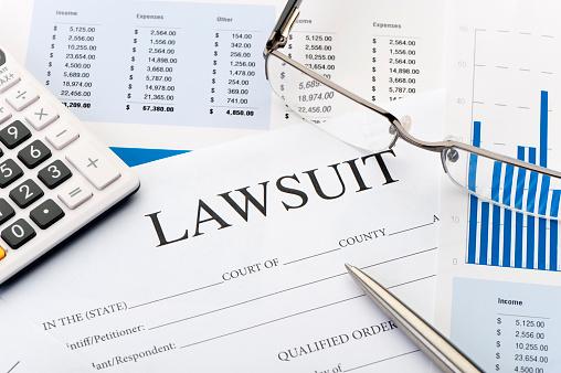 Legal System「Lawsuit form an a desk」:スマホ壁紙(13)