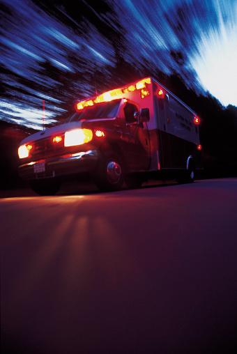 Emergency Services Occupation「Ambulance rushing in an emergency」:スマホ壁紙(0)