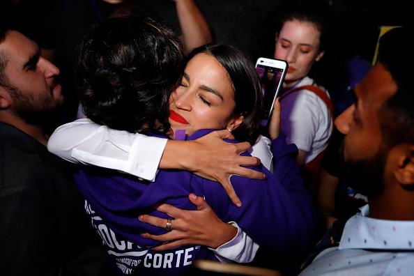 Success「Democratic Congressional Candidate In New York Alexandria Ocasio-Cortez Attends Election Night Party」:写真・画像(18)[壁紙.com]