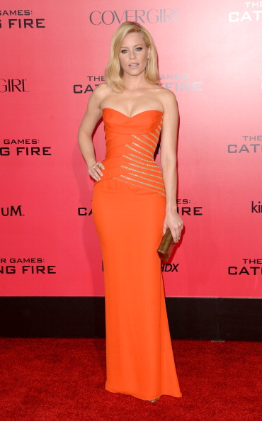 """Metallic Purse「Premiere Of Lionsgate's """"The Hunger Games: Catching Fire"""" - Arrivals」:写真・画像(13)[壁紙.com]"""