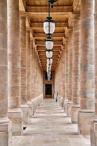 Colonnade「Le Palais Royal, Paris」:スマホ壁紙(12)