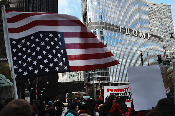 2016 United States Presidential Election「Anti-Trump Protestors Rally In Chicago」:写真・画像(5)[壁紙.com]