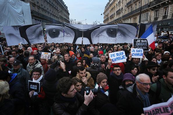 Charlie Hebdo「Mass Unity Rally Held In Paris Following Recent Terrorist Attacks」:写真・画像(7)[壁紙.com]