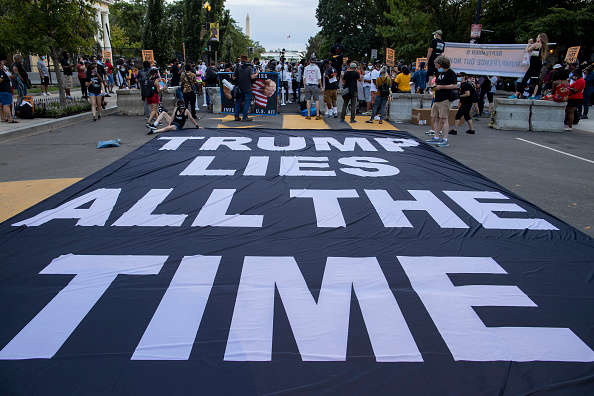 Square - Composition「Protests Held In Washington, DC In Response To Republican National Convention」:写真・画像(7)[壁紙.com]