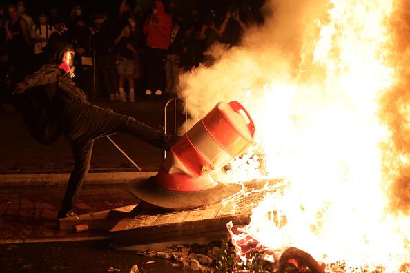 Effort「Protesters Demonstrate In D.C. Against Death Of George Floyd By Police Officer In Minneapolis」:写真・画像(4)[壁紙.com]
