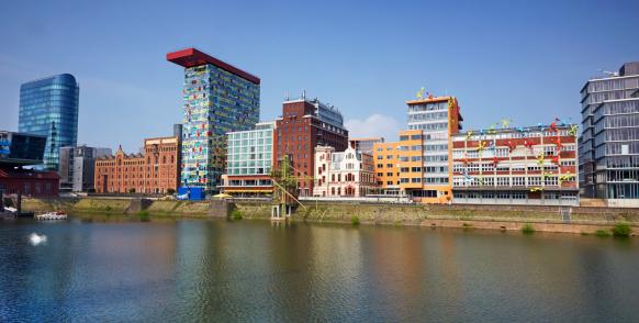 Postmodern「Architecture of the skyline of Dusseldorf-Hafen」:スマホ壁紙(14)