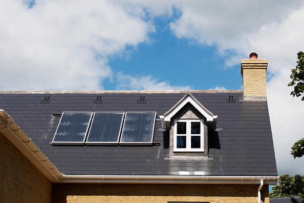 Business Finance and Industry「New house with solar central heating system, Ipswich, Suffolk, UK」:写真・画像(0)[壁紙.com]