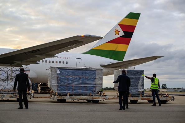 Zimbabwe「Delivery Of Sinopharm Vaccine Arrives In Zimbabwe」:写真・画像(15)[壁紙.com]