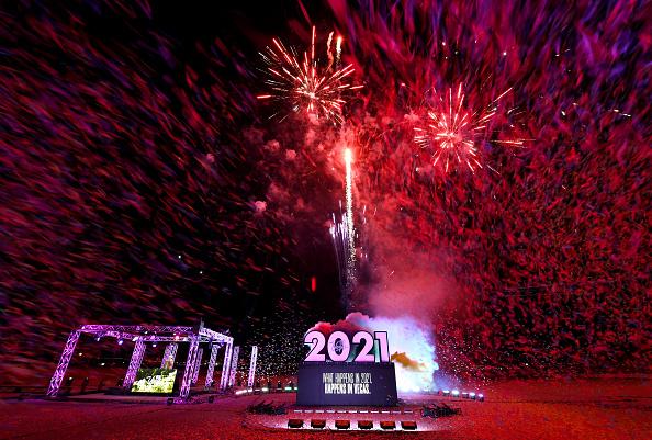 Ethan Miller「Las Vegas Tells 2020 To Kiss Off」:写真・画像(9)[壁紙.com]