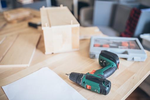 Carpentry「Furniture assembly tool」:スマホ壁紙(12)