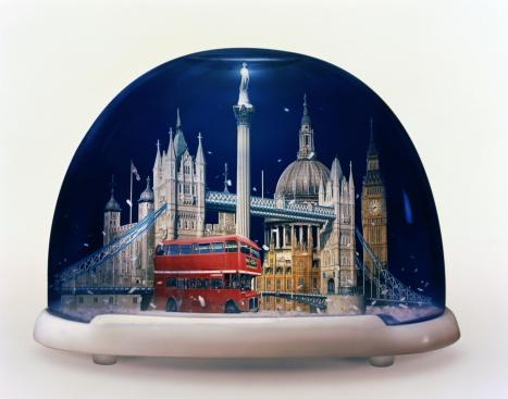 London Bridge - England「Snow globe containing famous sights of London, England (Composite)」:スマホ壁紙(18)