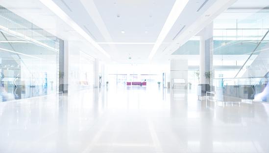 Store「Empty shopping centre in sunset, Dubai」:スマホ壁紙(6)