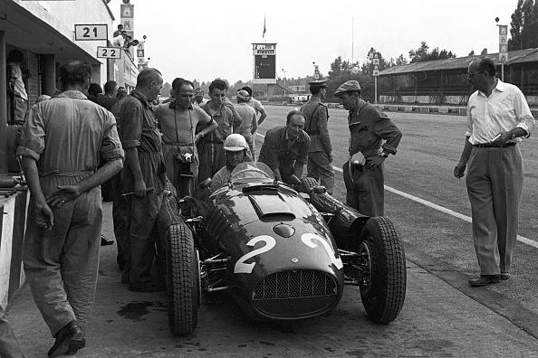 Giuseppe Farina「Giuseppe Farina, Grand Prix Of Italy」:写真・画像(9)[壁紙.com]