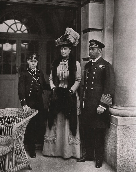 Edwardian Style「King George And Queen Mary With Their Son Prince Edward」:写真・画像(1)[壁紙.com]