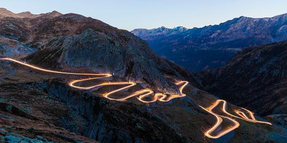 Hairpin Curve「Switzerland, Valais, Alps, Gotthard pass in the evening」:スマホ壁紙(15)