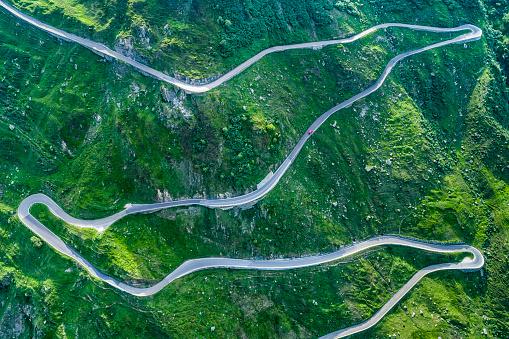 Hairpin Curve「Switzerland, Canton of Uri, Urseren Valley, Furka pass」:スマホ壁紙(14)