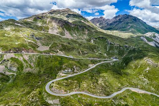 Mountain Road「Switzerland, Graubuenden Canton, Livigno Alps, Bernina Pass」:スマホ壁紙(11)