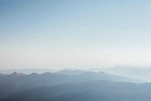 In Silhouette「Switzerland, Grosser Mythen, sunrise above alpine landscape」:スマホ壁紙(16)