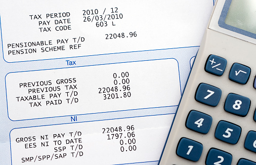 Single Word「Person calculating money earned」:スマホ壁紙(11)
