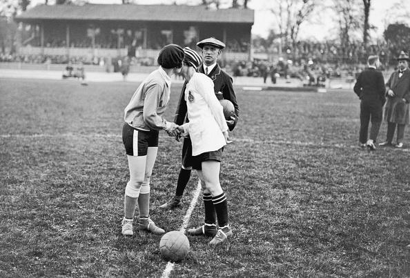 Soccer「Kiss Before Kick Off」:写真・画像(4)[壁紙.com]