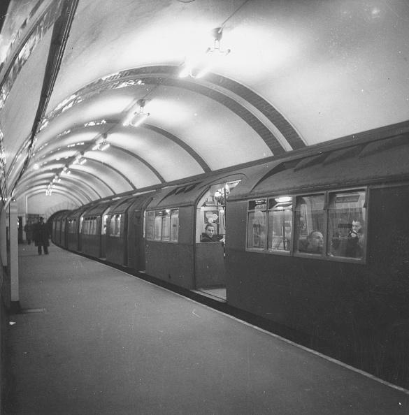 Subway Train「Tube Train」:写真・画像(2)[壁紙.com]