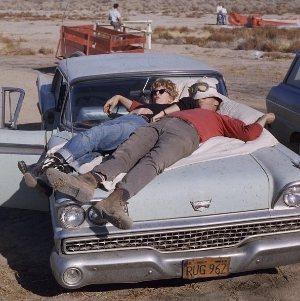 Couple - Relationship「Sleeping On The Car」:写真・画像(13)[壁紙.com]