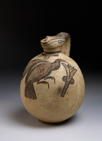 Republic Of Cyprus「Squat Bichrome Jug In Free-Field Style With Image Of Bird Picking A Lotus」:写真・画像(3)[壁紙.com]