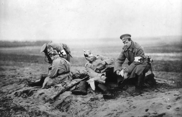 Army Soldier「Red Cross At Work」:写真・画像(3)[壁紙.com]