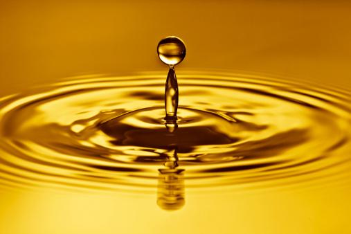 Splashing Droplet「Golden time, waterdrop splash.」:スマホ壁紙(6)