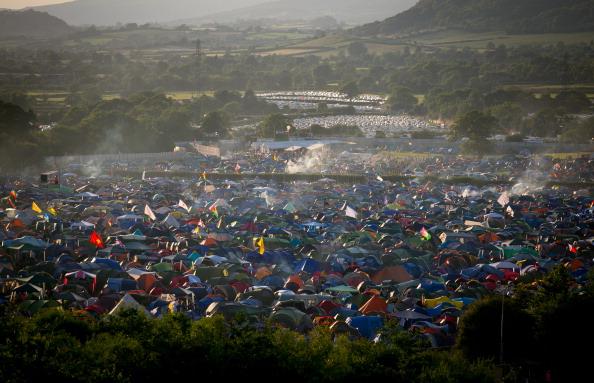Tent「Glastonbury Festival - Day One」:写真・画像(7)[壁紙.com]