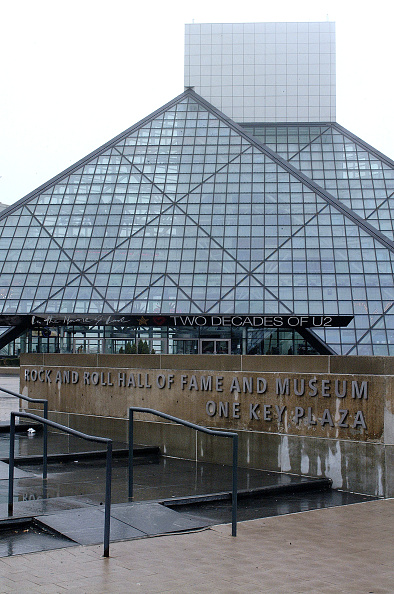 Fame「The Darkness Autograph Signing At The Rock & Roll Hall Of Fame」:写真・画像(1)[壁紙.com]